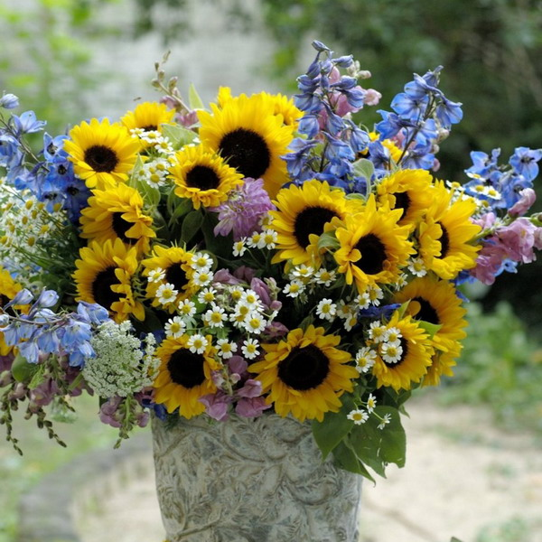 sunflowers-centerpiece-decorating-ideas-mix3-10.jpg