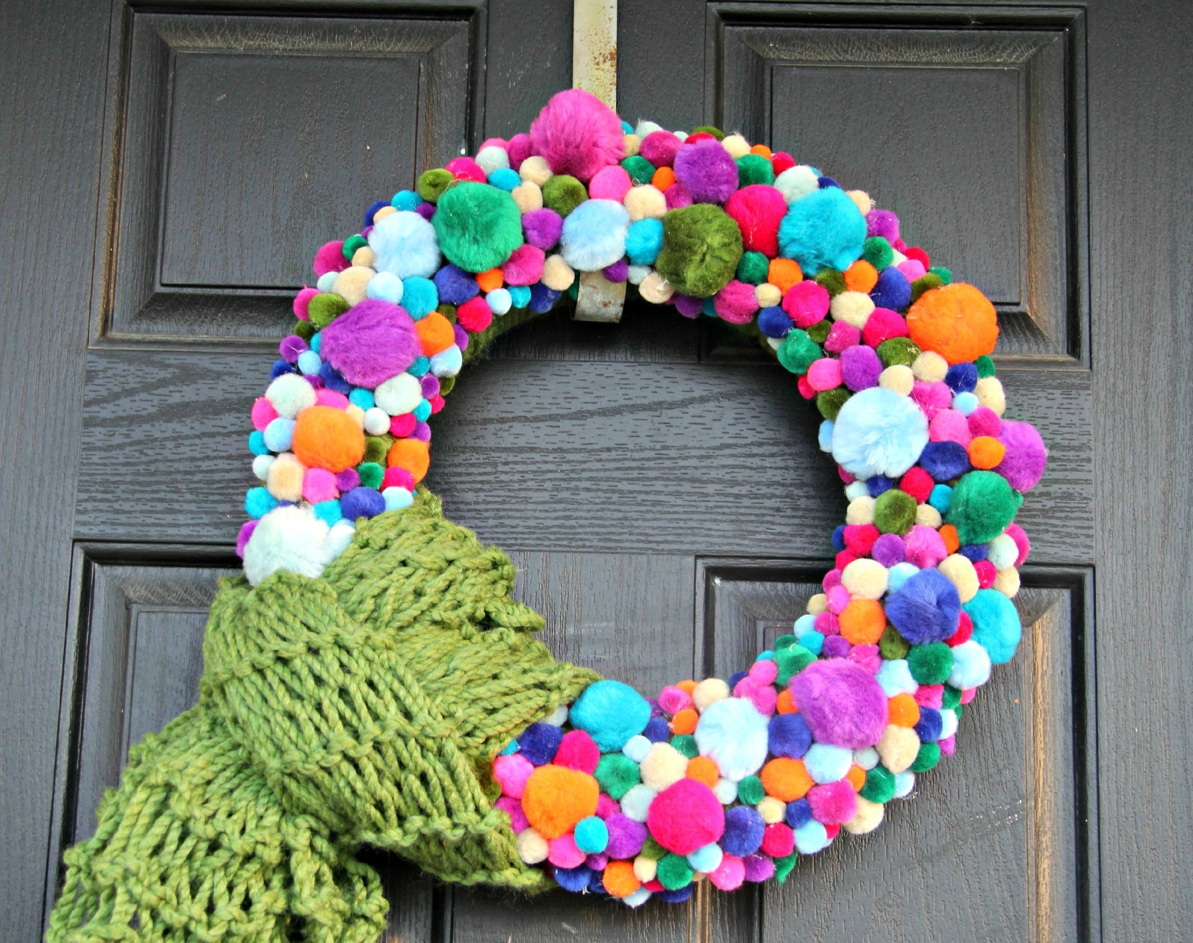 pom-puff-wreath-green-scarf-with-text.jpg