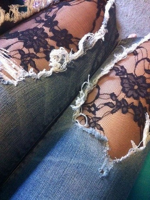 Ripped-jeans-for-girls-on-Pakistyles.com_..jpg